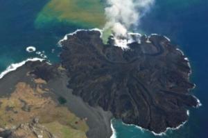 写真=活発な噴火の様子(気象庁ホームページより)