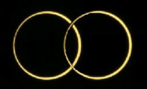 写真=金環(かなわの)日食、2つつながったところ
