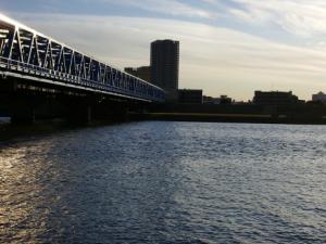 写真=東京と埼玉を隔てる荒川